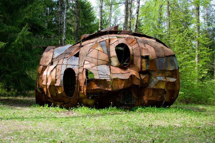 одна из скульптур в парке Европы