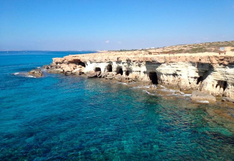 Морские пещеры гроты